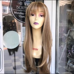 Accessories - Blonde wig bangs 26-28 long blonde mix new wig